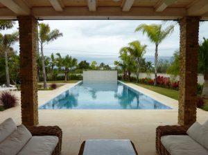 """עיצוב בריכת שחייה - בריכת גלישה, קובי טל אדריכלות נוף בע""""מ"""
